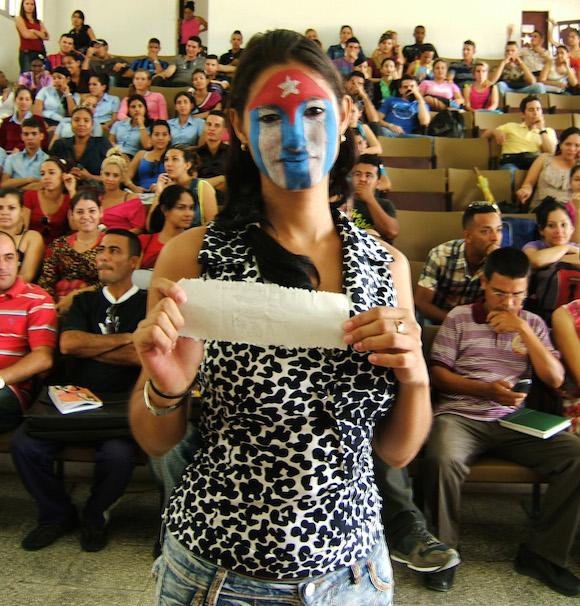 a2dfb95797 En un acto de contenido patriótico. Foto: Luis Toledo Sande.