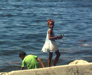 niños y mar 6-001